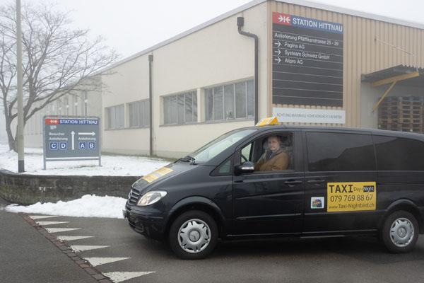 Taxi bei der «Station Hittnau»
